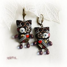 Steampunk cat. Steampunk kitten. Cat earrings. Kitten earrings. Clay cat. Clay kitten. Clay animal. Polymer clay. Steampunk earrings. fish.