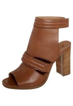 Sandali con i tacchi - marrone