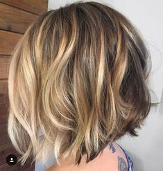 Over 100 popular short haircuts 2018 - 2019 - love this hair . - Over 100 popular short haircuts 2018 – 2019 – love this hair Over 100 popular sh - Medium Hair Styles, Curly Hair Styles, Popular Short Haircuts, Medium Short Haircuts, Great Hair, Hair Day, Short Hair Cuts, Short Wavy, Short Blonde