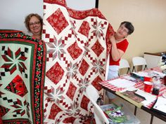 Eden quilt student sample from my workshop at the Hannibal PIecemakers quilt guild. Christmas Sweaters, Workshop, Student, Quilts, Projects, Log Projects, Atelier, Blue Prints, Christmas Jumper Dress