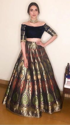 Beautiful Banarasi Silk Lehenga-Choli - All About Clothes Banarasi Lehenga, Indian Lehenga, Brocade Lehenga, Salwar Designs, Lehenga Designs, Designer Party Wear Dresses, Indian Designer Outfits, Stylish Dresses, Fashion Dresses