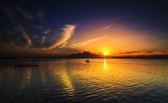 Navegando hacia el horizonte - null