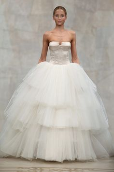 I'm not much of a ball gown girl but I'll wear the hell outta this! Reem Acra Bridal 2010