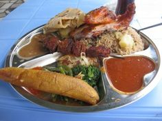 Best Beach Hotels in Zanzibar Tanzania - Kichanga Boutique Lodge Goan Recipes, Indian Food Recipes, Banana Curry, Tanzania Food, Marinated Beef, Western Food, Food Staples, Mets, Different Recipes