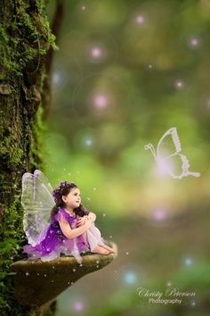 Free Photoshop tutorials on how to edit fairy composites, wings, overlays and digital backgrounds Fairy Photography, Background For Photography, Photoshop Photography, Photography Backdrops, Children Photography, Popular Photography, Photography Ideas, Wedding Photography, Funcionalidades Do Photoshop