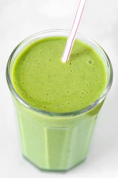 Green Goddess Smoothie - This a tangy, sweet and silky green goddess smoothie packed with nutrients that's sure to make your skin glow! Recipe, vegan, gluten free, drinks, smoothie, breakfast, healthy   pickledplum.com