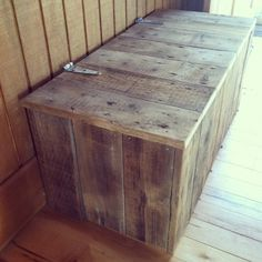Natural Rustic Reclaimed Wood Storage Bench.
