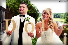 Great idea for a Bride & Groom pic at their #wedding! (photo by DeanMichaelStudio.com) #photography