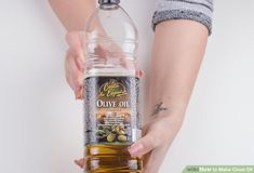 How to Make Clove Oil: 13 Steps (with Pictures) - wikiHow Home Remedies, Natural Remedies, Remedies For Tooth Ache, Clove Oil, How To Make Oil, Glass Containers, Beauty Skin, Herbalism, Nail Arts