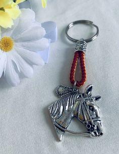 Pulsera de la Virgen del Rocío. Hecho a mano. Materiales: acero. 3,99€ #virgendelrocio #souvenirs #llavero #llaveros #regalos Personalized Items, Steel, Presents, Hand Made, Bangle Bracelets