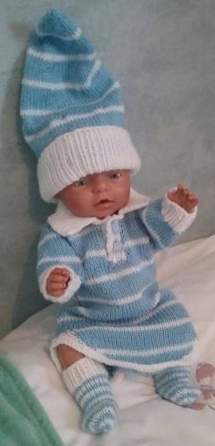 I hand knit dolls clothes at home. by ConnieGifts Double Knitting, Hand Knitting, Bed Socks, Acrylic Wool, Baby Born, Knitted Dolls, Doll Clothes, Crochet Hats, Blue And White