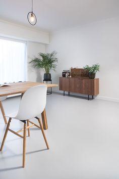 Polished Concrete Tiles, Concrete Floors, Floor Design, House Design, Small Living Room Layout, Concrete Interiors, Modern Interior, Interior Design, Minimal Home