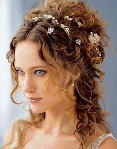 Ideas de recogidos y peinados para novias y acompañantes.