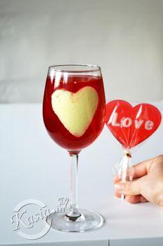 14 luty Walentynki, dzisiaj wszędzie można o nich usłyszeć :) My z Jackiem nie obchodzimy ich jakoś szczególnie, ale zawsze jest to miły... milszy dzień :) Przeważnie w Walentynki robimy so...