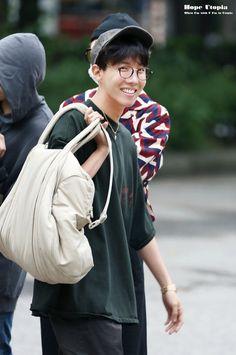 Foto Bts, Bts Photo, Jung Hoseok, Seokjin, Namjoon, Taehyung Gucci, Rapper, Hope Fashion, Bts Airport