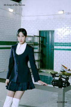 回:Song of the Sirens Concept Photo <Tilted 4> Gfriend Album, Sinb Gfriend, South Korean Girls, Korean Girl Groups, G Friend, Sirens, Korean Singer, Teaser, Ballet Skirt