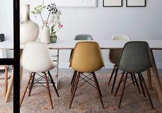 Le concept est simple : il suffit d'associer des chaises, bancs et/ou tabourets différents. Découvrez 10 exemples canons de chaises dépareillées !...