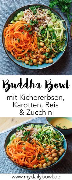 Meine vegetarisch/ vegane Buddha Bowl mit Kichererbsen und Reis ist ein super Energielieferant und Sattmacher. Mit viel Gemüse, pflanzlichen Proteinen und komplexen Kohlenhydraten ist die Buddha Bowl ein tolles low carb Abendessen.