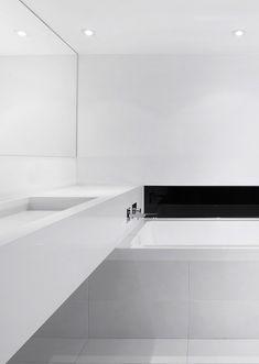 Minimalist bathroom, Espace Le Moyne|Anne Sophie Goneau