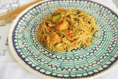 bami zonder pakjes en zakjes Ibiza, Bbq, Recipies, Spaghetti, Food And Drink, Healthy Recipes, Dishes, Ethnic Recipes, Cook