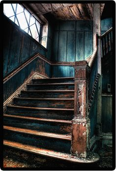 January 4th - More urbex photography! No info listed as to where this was taken, but I love the colors.