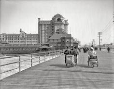 vintage everyday: 40 Interesting Vintage Photos Capture Everyday Life in Atlantic City from the 1900s
