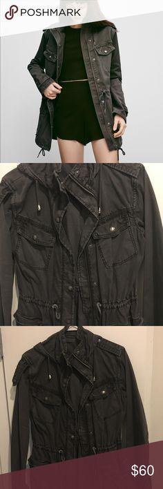 Cargo jacket Cargo jacket. Sinches at the waist. TALULAH Jackets & Coats Utility Jackets