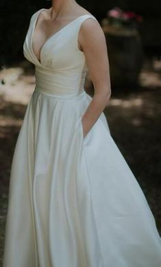 La Sposa Ralea: buy this dress for a fraction of the salon price on…