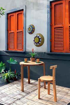 Ambiance haute en couleur sur cette terrasse chaleureuse
