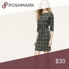 Windowpane Knit Dress Adorable gray and white windowpane print dress from LOFT. Comes with matching belt. The dress can also be worn without the belt for more of a shift dress style. Worn once, excellent condition with no signs of wear. Classic looking and great for work. LOFT Dresses