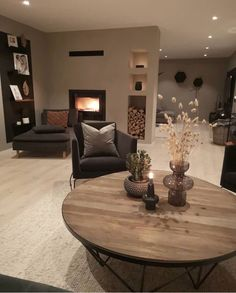 (Read More) Modern Home Interior Design, Home Room Design, Living Room Designs, Classy Living Room, Home Living Room, Living Room Decor, Apartment Interior, Apartment Living, Living Room Inspiration