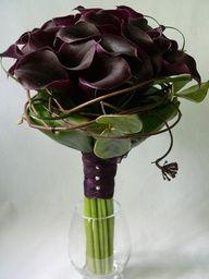 dark purple calla bouquet..about this size for Brides maids
