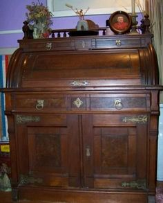 Lovely Antique Roll Top Desk