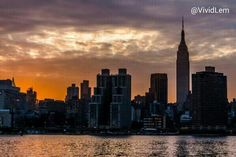 Majestic sunset over #NYC today via @VividLem pic.twitter.com/WH1GbL7Lxi