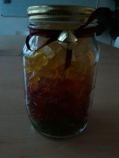 Das perfekte Weihnachtsgeschenkt  Auch für ein andere Anlass Gummibärchen im Glas in Regenborgenfarben