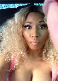 So Freakin Cuteee ! #NickiMinaj #Pink #BlondeWig #Idol #TBt