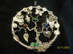 Haven't seen a Tree of Life pendant done with charms before. I like it. Awesome!