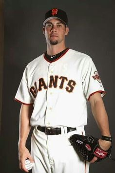 Vogelsong & Giants agree to one yr for 2014!