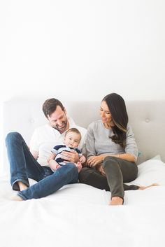Lifestyle Family Photos at Home by Lifestyle Photography by Kate Breuer Indoor Family Photography, Baby Boy Photography, Lifestyle Photography, Photography Ideas, Family Portraits, Family Photos, Family Photo Studio, Anniversary Photos, Family Love