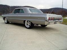 1964 Chevrolet Impala SS It's an Impala, I mean come on here.!!! Sick! #chevroletimpala1964