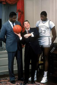 Back in President Reagan was trying to understand how to hold a ball while Coach John Thompson and Patrick Ewing looked on in confusion. Funniest Pictures Ever, Nba Pictures, Mba Basketball, Basketball Legends, Si Cover, Patrick Ewing, President Ronald Reagan, University Of Houston, History Teachers