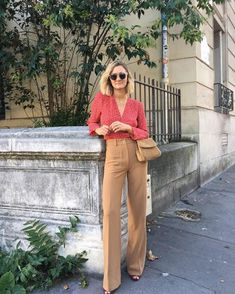 inspiration Fashion Week : les plus beaux - Parisian Style Fashion, 70s Fashion, Fashion Week, Work Fashion, Autumn Fashion, Fashion Outfits, Fashion Office, Fashion Jewelry, Fashion Tips