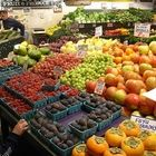 Fresh Fruits and Vegetables, By the Month super helpful and visual! ++plus recipe ideas