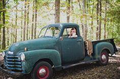 Ruffled - photo by Khaki Bedford Photography http://ruffledblog.com/brooklyn-meets-nashville-wedding-inspiration | Ruffled