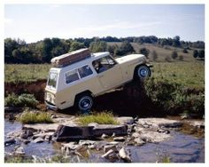 1971 #Jeep Jeepster Commando off-roading