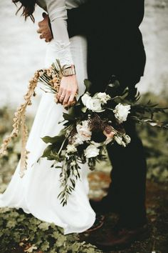 Moody fall wedding bouquet | Image by Ash & James Photography'