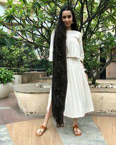 Long Silky Hair, Long Black Hair, Indian Hairstyles, Bun Hairstyles, Actress Feet, Long Indian Hair, Really Long Hair, Indian Fashion Dresses, Cute Girl Poses
