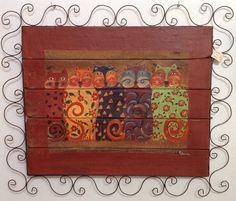 Painel decorativo de madeira rústica e antiga com moldura de ferro e  pintura artesanal de gatos . Dimensão ( com moldura ):106cm x 90cm
