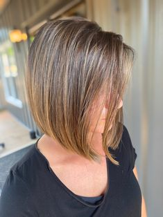 One Length Haircuts, One Length Bobs, New Haircuts, Classic Hairstyles, Latest Hairstyles, Cool Hairstyles, Childrens Hairstyles, Professional Hair Color, Caramel Balayage