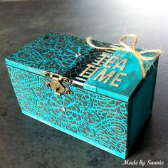 Made by Sannie: Tea Time Box with video tutorial - #sssmchallenge - Let's get into shape @Simonsaysstamp Monday Challenge